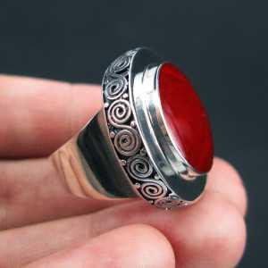 Zilveren ring gezet met Koraal 17.3 mm