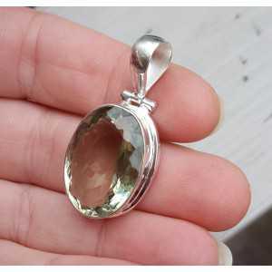 Zilveren hanger gezet met ovale facet groene Amethist