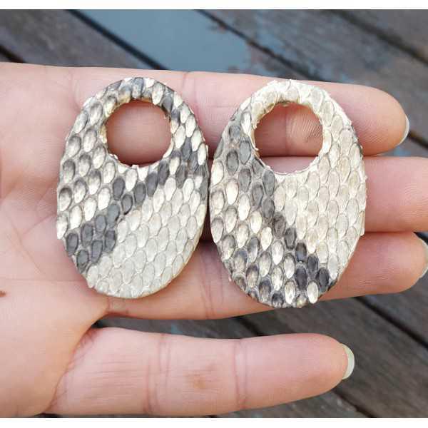 Creole Ohrringe-set mit ovalen Anhänger aus Schlangenhaut
