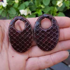 Creole earrings set with oval pendant made of dark brown Snakeskin
