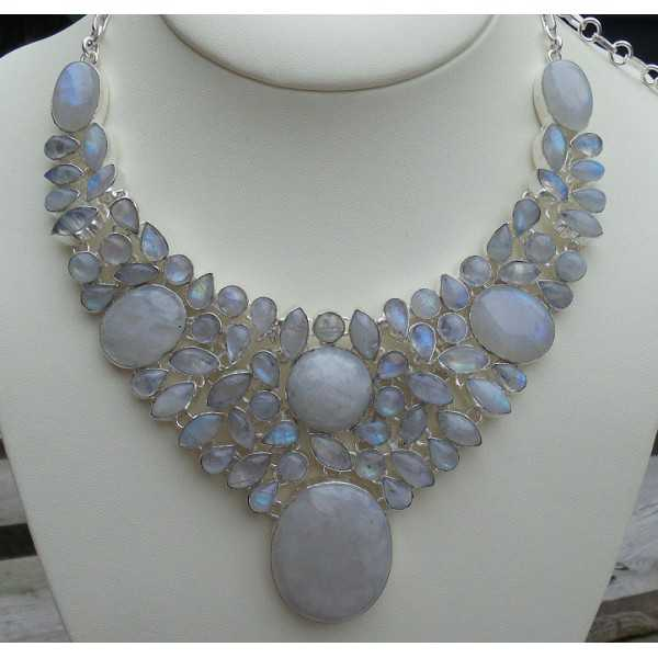 Silver necklace set with cabochon Moonstones