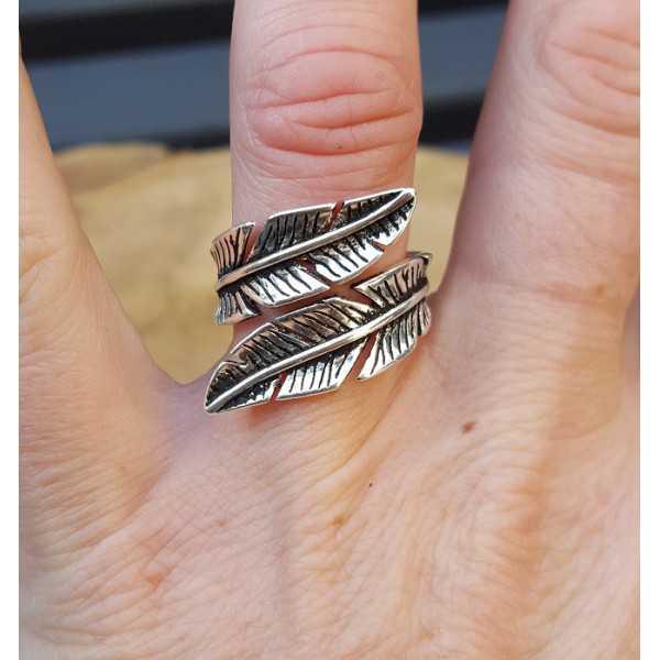 Zilveren veren ring verstelbaar
