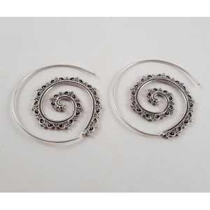 Zilveren spiraal creolen