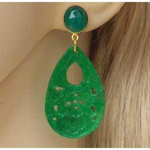 Vergoldete Ohrringe mit geschnitzten Jade und grüner Onyx