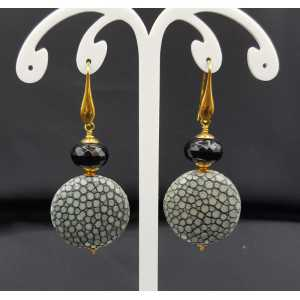 Earrings with black Onyx and grey Roggenleer