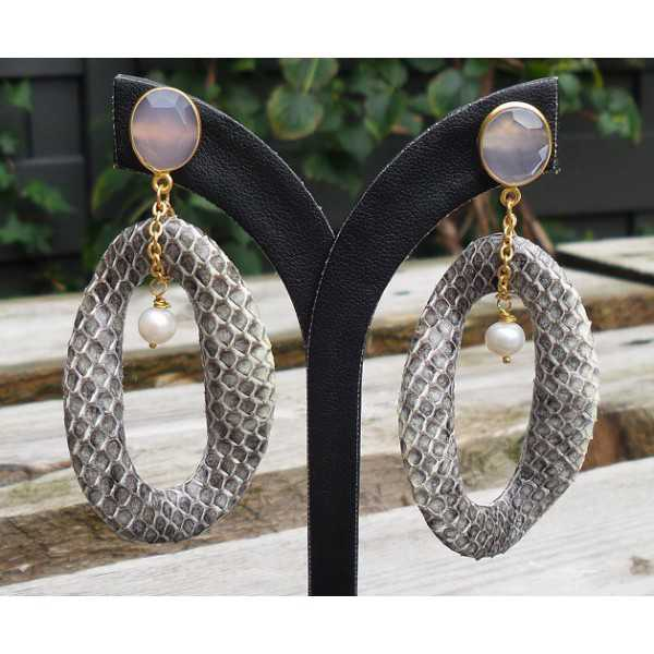 Gold plated earrings wavy ring of Snakeskin and pink Chalcedony