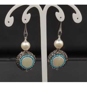 Ohrringe mit Perle, schwarz und Türkis-blau Kristalle