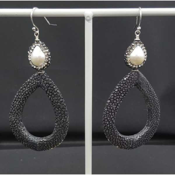 Earrings with open drop black Roggenleer Pearl and crystals