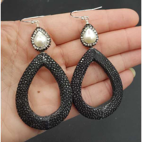 Ohrringe mit offenem drop schwarz Roggenleer Perle und Kristallen