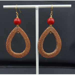 Earrings with open drop brown Roggenleer and Coral