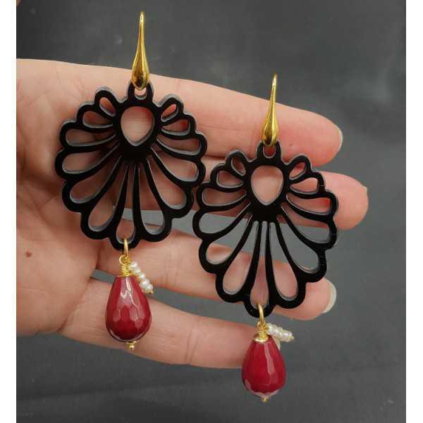 Ohrringe mit geschnitzten schwarzen Büffel horn und red Jade