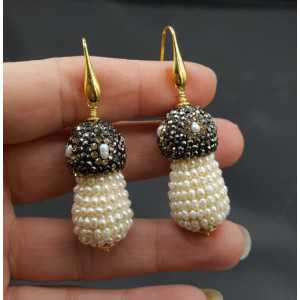 Gold plated earrings with freshwater Pearls and crystals