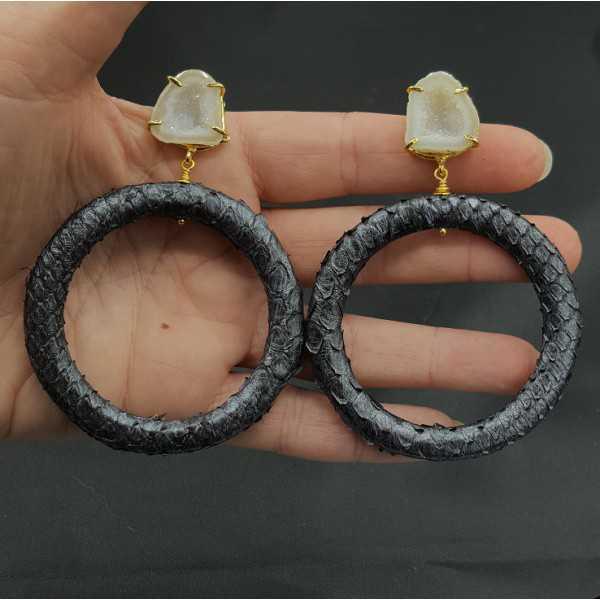 Goud vergulde oorbellen ring van Slangenleer en Agaat geode