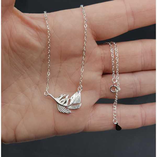 Zilveren ketting met blad hanger