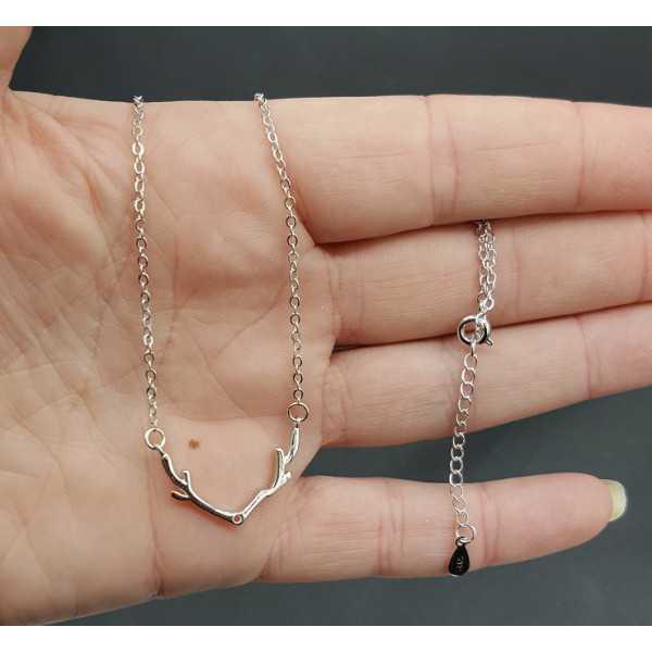 Zilveren ketting met gewei hanger
