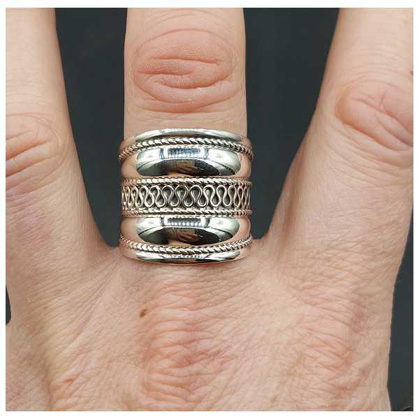 Zilveren brede bali ring 19 mm