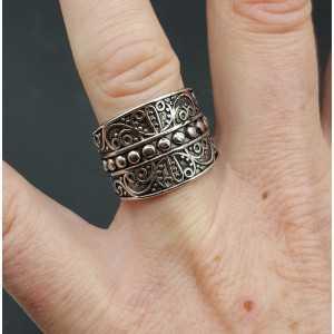 Zilveren brede bewerkte ring 17 mm
