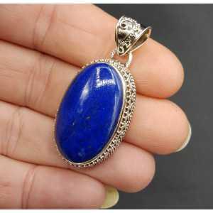 Zilveren hanger gezet met ovale Lapis Lazuli in bewerkte setting