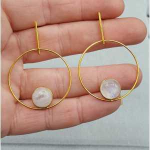 Goud vergulde oorbellen gezet met ronde Maansteen