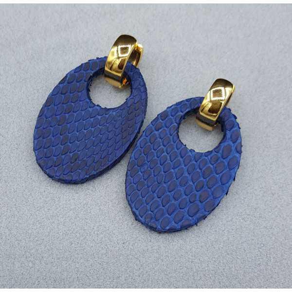 Creolen met ovale blauwe Slangenleer hanger
