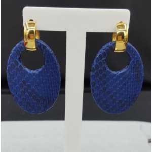 Creolen met ovale kobalt blauwe Slangenleer hanger