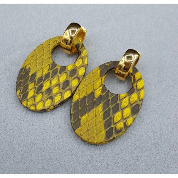 Creolen met ovale gele Slangenleer hanger