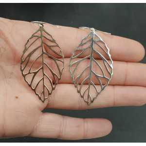 Zilveren oorbellen met groot zilveren blad