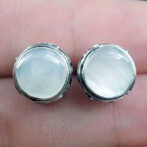 Zilveren oorknoppen gezet met Parelmoer
