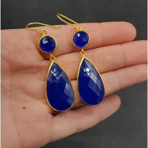 Goud vergulde oorbellen met ronde en druppelvormige kobalt blauwe Chalcedoon