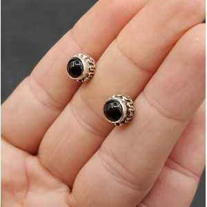 Silver oorknoppen with round black Onyx