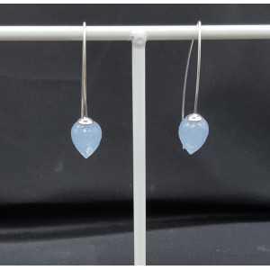 Zilveren oorbellen met Chalcedoon quartz briolet
