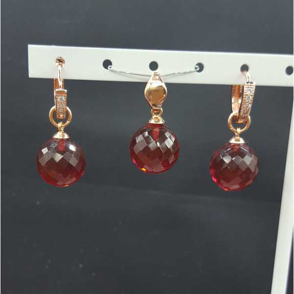 Rosé gold-plated pendant and creoles with around Garnet and quartz