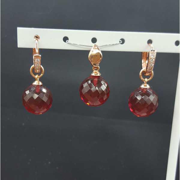 Rosé goud vergulde hanger en creolen met rond Granaat quartz