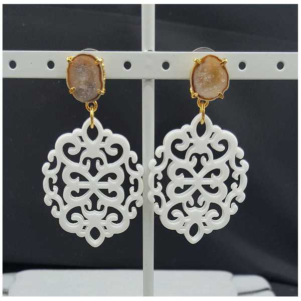 Vergoldete Ohrringe mit weißen Harz-Anhänger-Achat-geode