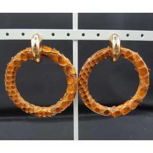 Creolen met licht bruine ring van Slangenleer