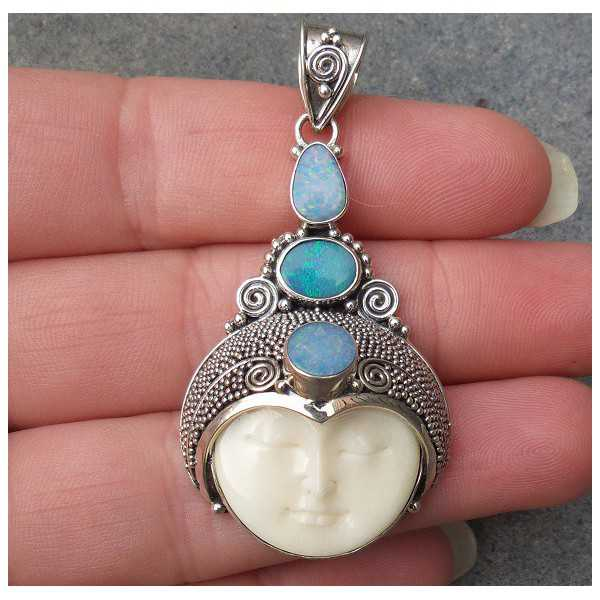 Silver pendant with face set with three Doublet Opals
