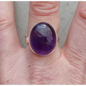 Zilveren ring gezet met cabochon geslepen Amethist 18.5 mm