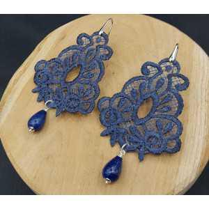 Zilveren oorbellen met Lapis Lazuli en hanger van blauw kant