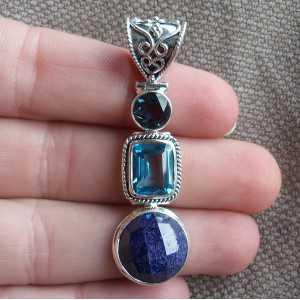 Zilveren hanger gezet met ronde Saffier en blauwe Topazen
