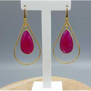 Goud vergulde oorbellen met fuchsia roze Chalcedoon