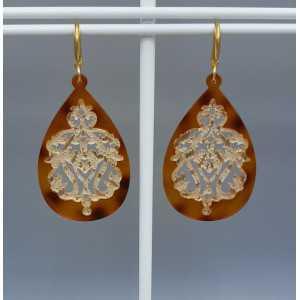 Oorbellen met bruine gouden lace resin hanger