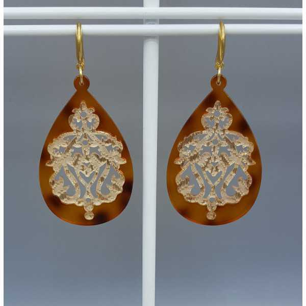 Earrings with brown golden lace resin pendant