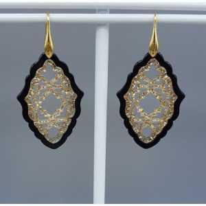 Goud vergulde oorbellen met zwart en gouden resin hanger