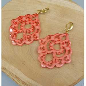 Ohrringe mit orange-Lachs-farbigen Harz-Anhänger