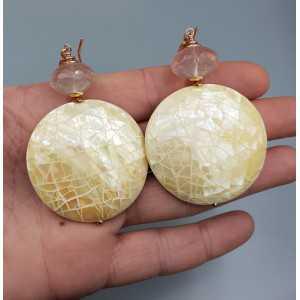 Ohrringe mit Runden ivory white shell und Rosenquarz