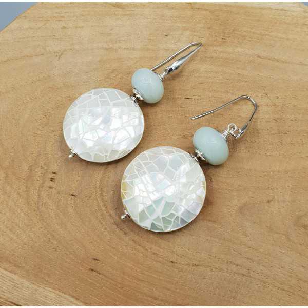 Ohrringe mit Runden ivory white shell und Amazonit