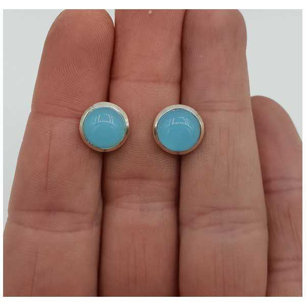 Silver oorknoppen set with round chalcedony