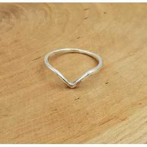 Zilveren V ring 17 of 18 mm