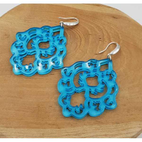 Ohrringe mit blauen Harz-Anhänger