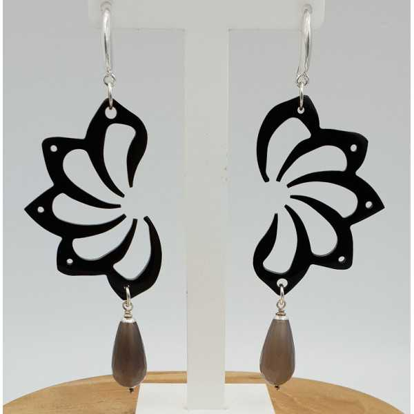 Earrings with black buffalo horn and white Agate briolet